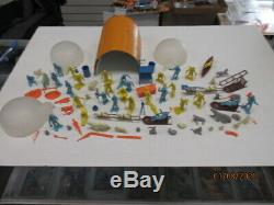 Arctic Explorer Play Set Series 2000 In The Original Box