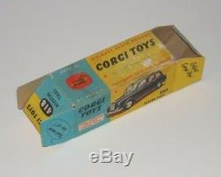 Corgi 418 London Austin Taxi Complete with Original Box Flat Hubs Good Example