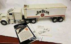 JB Semi Truck 18 wheeler MW76-750 Decanter box has been opened