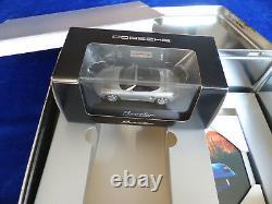 Porsche Boxster Original Blech-Box 1997 + Prospekt + Video + Modellauto + Bild