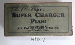Rare Antique/Vintage Set Of Six Air Valve Spark Plugs In Original Box