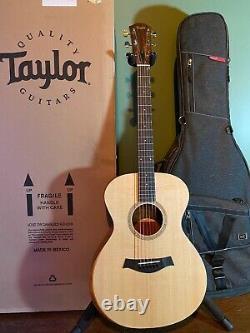 Taylor Academy Series 12e with Gator Transit Gigbag & Original Taylor Box MINT