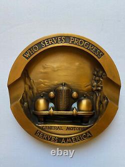1937 General Motors En Cuivre Ou En Bronze Cendrier Avec La Boîte Originale