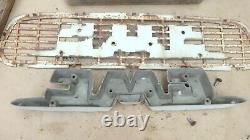 1955 1956 Gmc Truck Hood Emblem Mesh Ornement Originale Gm Au-dessus De La Grille 1957