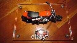 1972 Harley-davidson Xr750 118 Célèbre Moto De Course Américaine 5 En L W Stand Étiqueté