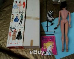 # 4 5 Transition Barbie Dans La Boîte Originale Avec Accessoires De Nice Very Nice