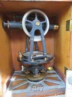Antique Keuffel & Esser Co. Arpentage Transit Avec La Boîte D'origine