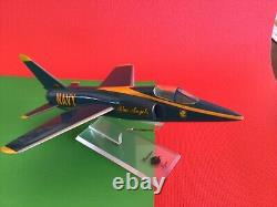 Collection De Menthe De Noël Grumman F-11 Navy Blue Angel Dans La Boîte Originale