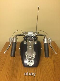 Harley Davidson Réservoir De Gaz Radio Am / Fm Avec Head Light Box D'origine Inclus