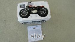 Harley Davidson Xr750 1972 110 Célèbre Moto De Course Américaine 8. Long Avec La Boîte Coa
