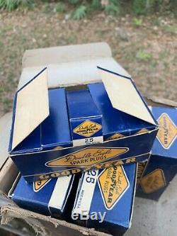 Lot De 60 Nos Vintage Goodyear Eagle Double Spark Plugs Type 25 Dans La Boîte Originale