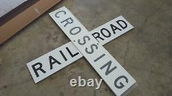 Railroad Crossing Signe Aluminium Réfléchissant 48x 9x 3/4 Boîte Originale Pas Un Repro
