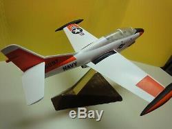 T-2a Buckeye / Na249 12 Musée Modèle De Bureau Avec La Qualité Original Na Box