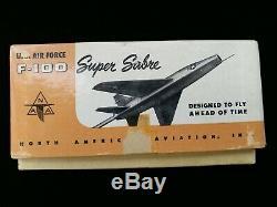 Topping Modèles Nord-américains F-100 Super Sabre Modèle D'aéronef Avec La Boîte Originale